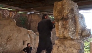 ISIS Destroyed Ancient winged-bull Assyrian Artifacts in Mosul + Video